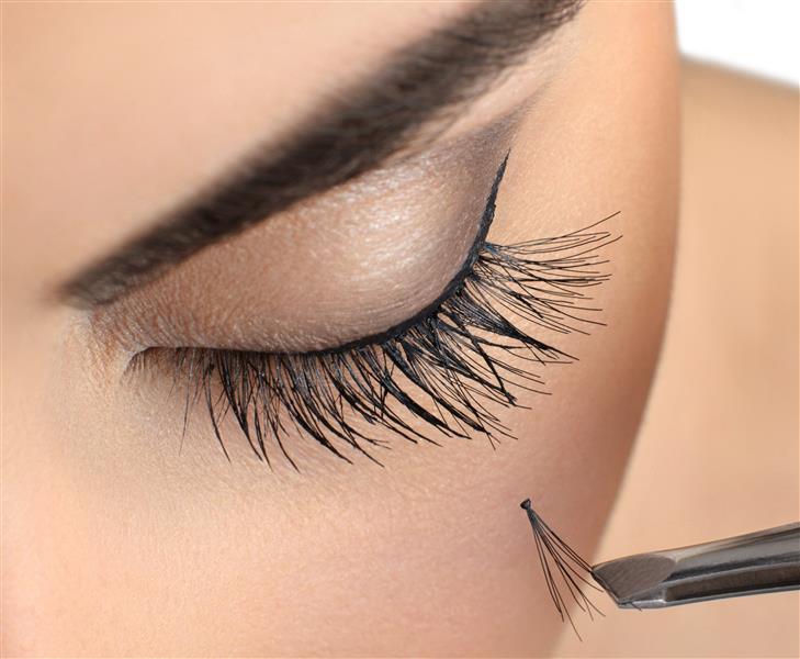 Flare lashes